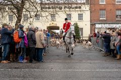 Bawtry South Yorkshire, Förenade kungariket, December, 25th, 2018: Starten av annandagjakten som leder av från Bawtry royaltyfria bilder