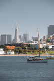 Bay Boats San Francisco Skyline Royalty Free Stock Images