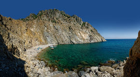 Bay enclosed by white cliffs Royalty Free Stock Photo