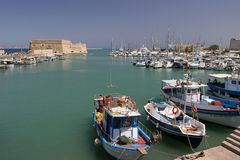Bay yacht. Crete sredizeinoe sea at the medieval fortress Stock Photography