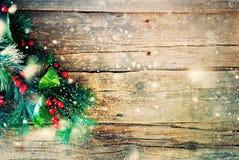 Bayas del árbol de abeto del fondo del vintage de la Navidad Imagen de archivo