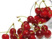 Bayas rojas frescas de la cereza Foto de archivo libre de regalías