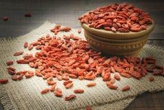 Bayas rojas secas del goji Foto de archivo