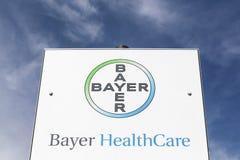 Bayer opieki zdrowotnej logo na panelu Fotografia Stock