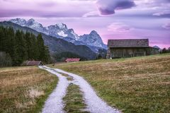 Bayern-Landschafts-Alpen lizenzfreie stockfotos
