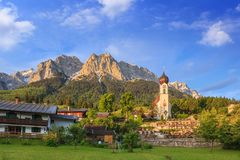 Bayern landskap - Zugspitze - Tyskland Royaltyfri Bild