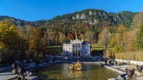 Bayern Tyskland - Oktober 15, 2017: Linderhof slott 1863-188 Arkivfoto
