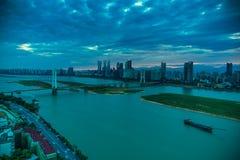 Bayi Grote brug-Schemering Nacht van Yangtze-Rivierbrug stock fotografie