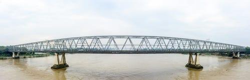 ` Bayint Naung没有`的桥梁 1在仰光,缅甸 广角视图 1月2018 ` Bayint Naung `是一位古老缅甸国王 库存照片