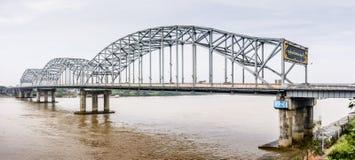 ` Bayint Naung没有`的桥梁 2在仰光,缅甸 1月2018 ` Bayint Naung `是一位古老缅甸国王 库存照片