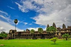 Bayon寺庙和吴哥窟高棉复合体在暹粒,柬埔寨 免版税库存图片