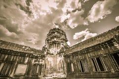 Bayon寺庙和吴哥窟高棉复合体在暹粒,柬埔寨 免版税库存照片