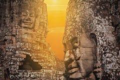 Bayon hace frente a Angkor Wat Cambodia Fotografía de archivo