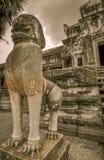 Bayon tempel- och Angkor Wat Khmer komplex i Siem Reap, Cambodja Arkivbild