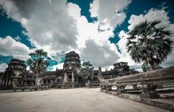Bayon tempel- och Angkor Wat Khmer komplex i Siem Reap, Cambodja Royaltyfri Fotografi