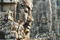 bayon vänder tempelet mot Royaltyfri Fotografi