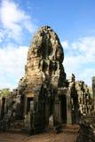 bayon vänder tempelet mot Arkivfoto