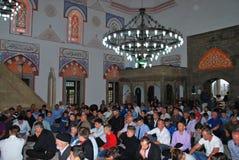 BAYRAM/EID: Folkmassan av muselmaner i moskén Royaltyfri Foto