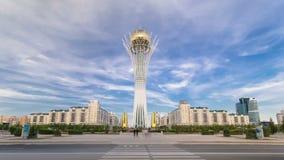 Bayterek timelapse hyperlapse Het is een monument en een observatietoren in Astana Hoofdsymbool van stad stock footage