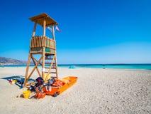Baywatch wierza w Elafonisi, Crete, Grecja, raj plaża z turkus wodą blisko do wyspy Crete obrazy royalty free