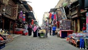Bazaar in oud Kaïro, Egypte stock footage
