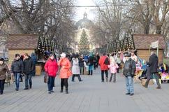 Bazar de la Navidad y del Año Nuevo en el centro de Lvov Imágenes de archivo libres de regalías