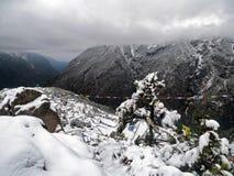 Bazar de Namche en nieve, desde arriba Fotografía de archivo libre de regalías
