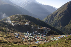 Bazar de Namche - Nepal fotos de stock