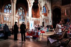 Bazar de Noël à l'église paroissiale Photos stock