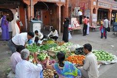 Bazar de rue en Inde Photographie stock libre de droits