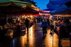 Bazar del distretto alla notte Fotografie Stock