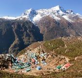 Bazar di Namche e supporto Kongde, parco nazionale di Sagarmatha fotografia stock libera da diritti
