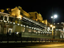 Bazar do castelo de Budapest na noite Imagens de Stock Royalty Free