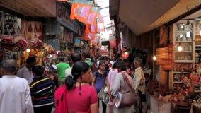 Bazar ocupado almacen de metraje de vídeo