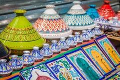 Bazar orientale variopinto delle terraglie (Tunisia) Fotografia Stock