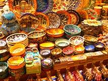 Bazar przy Istanbuł, kolorowa ceramika obrazy royalty free