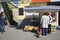 Bazar Rozychkiego jest starym rynkiem w mieście i datuje z powrotem 1901 w okręgu Praga Fotografia Royalty Free