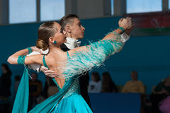 Bazhnichin Egor e programa padrão de Borisevich Yuliya Perform Youth-2 Imagem de Stock Royalty Free