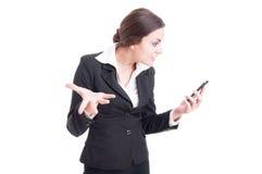 Bazige vrouwelijke manager veeleisende verklaringen over videovraag royalty-vrije stock foto's