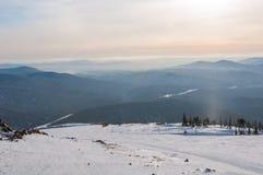 Bazofia del esquí de la montaña de la visión superior Fotos de archivo
