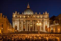 Bazylik di San Pietro w wieczór, Rzym, Watykan, Włochy zdjęcia royalty free