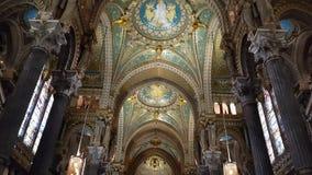 Bazylika Notre-Dame De fourvière, Lion zbiory