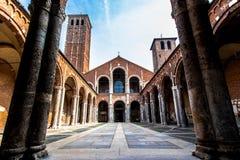 Bazylika Sant ` Ambrogio w Mediolan, Włochy Zdjęcie Royalty Free