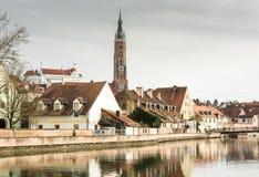 Bazylika w Landshut i rzecznym Isar Zdjęcie Stock