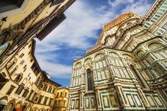 Bazyliki Di Santa Maria del Fiore & x28; Bazylika święty Mary Flower& x29; i otaczająca architektura, Florencja obrazy royalty free