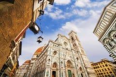 Bazyliki Di Santa Maria del Fiore & x28; Bazylika święty Mary Flower& x29; i otaczająca architektura, Florencja zdjęcia stock