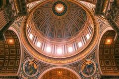 bazyliki wewnętrzny Peter Rome s st Fotografia Royalty Free