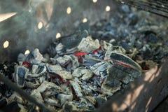 bbarbecue płonący węgiel drzewny ostrości gril target2395_1_ gorącego l narządzania czerwieni miękka część Bbarbecue gril miękkie Obraz Stock