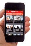 BBCnyheterna App på en iPhone Royaltyfria Bilder