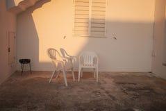 Bbq集合和椅子 库存图片